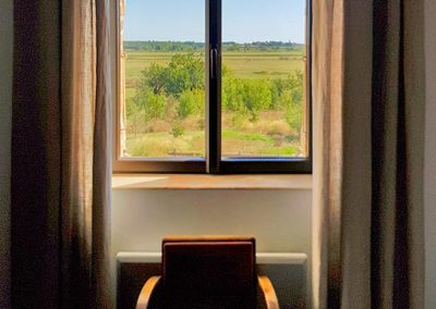 Room Dattiers - window with nature view